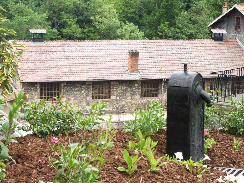 Borne fontaine (© Renaud Aulagner 2008)
